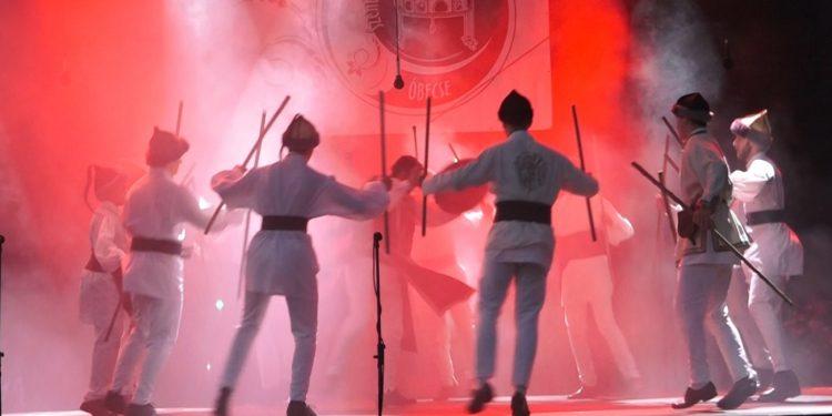 Részlet a Csodaszarvas cimű táncos-zenés produkcióból