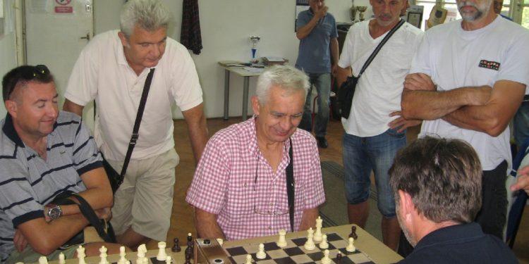 Umesto šest, na šahovskom takmičenju je bilo četiri ekipe | Foto: Vlastimir Jankov