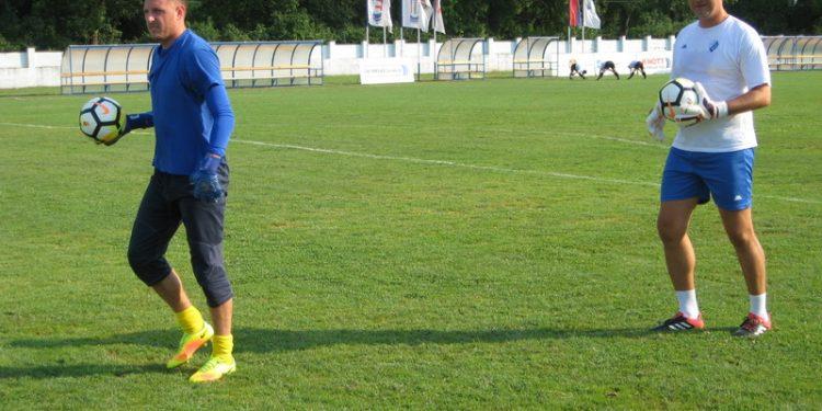Golman Marko Živkov s trenerom Milošem Andrićem | Foto: Vlastimir Jankov