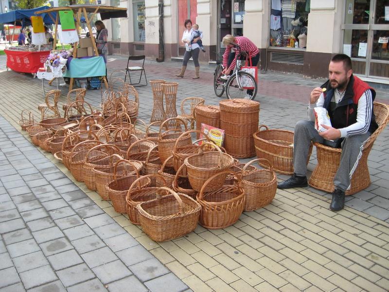 Izložena je i široka lepeza predmeta pletenih od pruća | Foto: Vlastimir Jankov