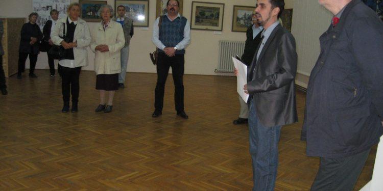 "Više neko skromna poseta na svečanom otvaranju izložbe ""Četiri slikara ravnice""   Foto: Vlastimir Jankov"