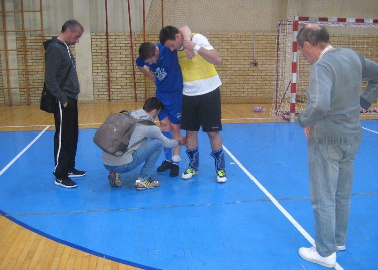 Bojan Lovre je zbog povrede izustao u drugom poluvremenu | Foto: Vlastimir Jankov