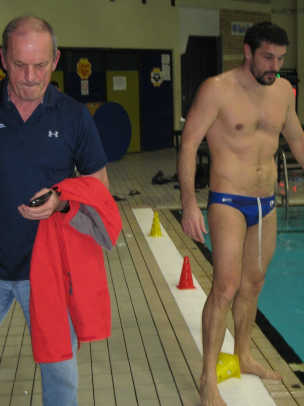 Goran Krstonošić je skinuo kapici i krenuo trenerskim stopama oca Aleksandra | Foto: Vlastimir Jankov