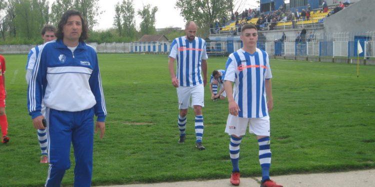 Sportskom direktoru Dejanu Stanojevu nije nepoznato da takmičarski vodi ekipu | Foto: Vlastimir Jankov