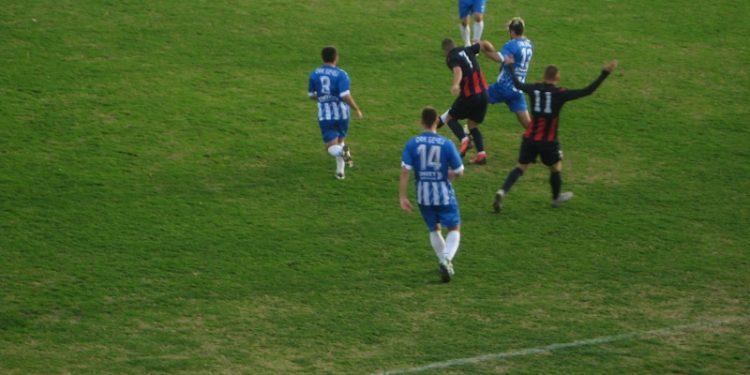 Stefan Cvijić (14) bio je strelac jedinog gola u Dobanovcima | Foto: Vlastimir Jankov
