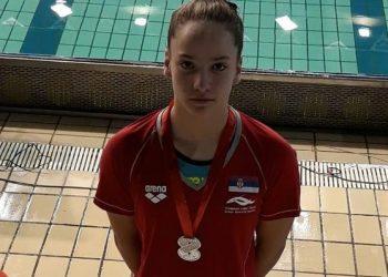 Mlada plivačica Nataša Kekić