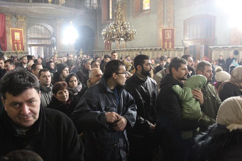 Bečejski hram je bio ispunjen na Svetoj božićnoj Liturgiji | Foto: Vlastimir Jankov