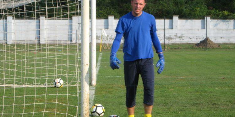Golman Marko Živkov je sačuvao mrežu protiv Zrenjaninaca   Foto: Vlastimir Jankov