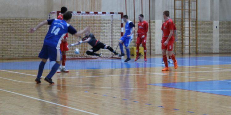 Golman Kragujevčana Vladan Koljajić blistao je kraj Tise   Foto: Vlastimir Jankov