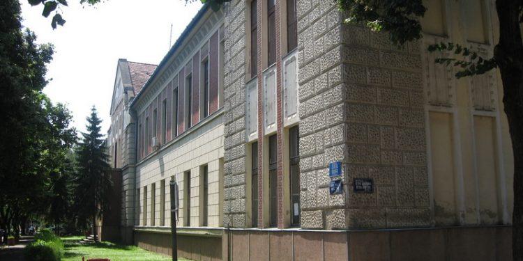 Zgrada bečejske Gimnazije u kojoj će se održati sećanje na Veliki rat   Foto: Vlastimir Jankov