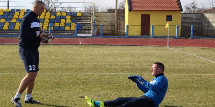 Golman Marko Živkov i trener Miloš Andrić   Foto: Vlastimir Jankov