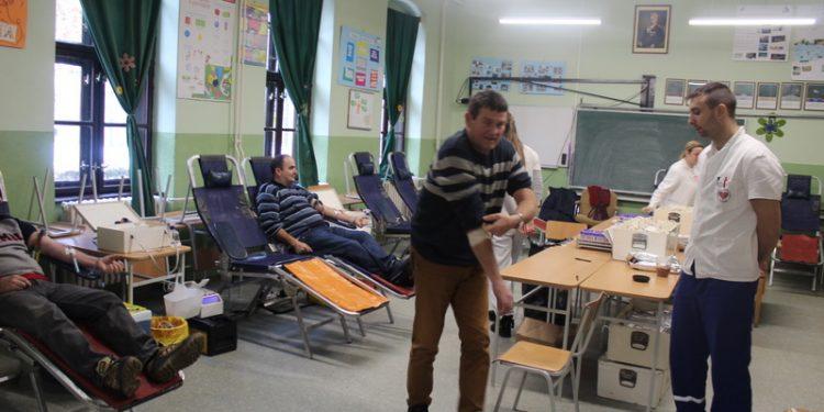 Sa jedne od ranijih dobrovoljnih akcija davanja krvi u Bečeju | Foto: Vlastimir Jankov