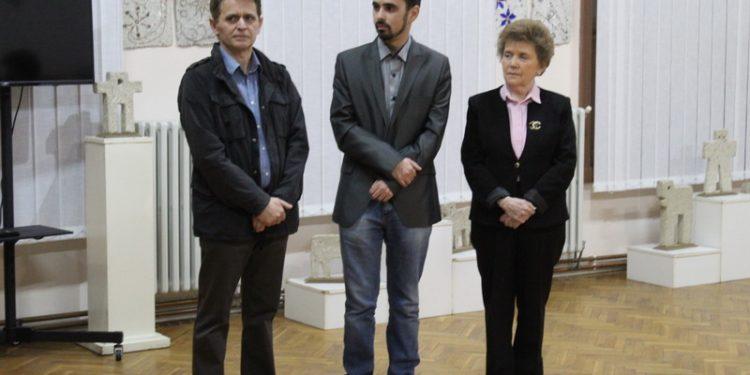 Zoltan Kiš levo zahvalio se domaćinu i brojnim posetiocima izložbe   Foto: Vlastimir Jankov