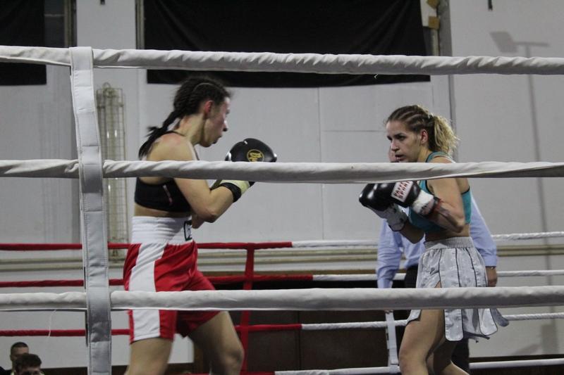 Saida Bukvić desno i Sandra Maran su dokazale da su i žene pravi borci   Foto: Vlastimir Jankov
