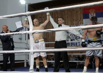 Boban Filipović je uknjižio novu pobedu na profi ringu | Foto: Vlastimir Jankov