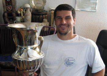 Dok je igrao, u fotelji je držao ušati pehar prvaka Evrope, a sada ga iz fotelje čekaju druge obaveze   Foto: Vlastimir Jankov