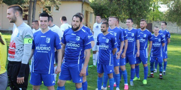 Igrači Vojvodine na početku utakmice...