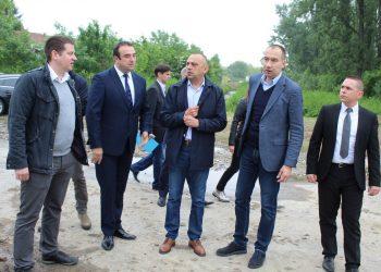 Potpredsednik Vlade APV Đorđe Milićević i pokrajinski sekretar dr Vuk Radojević u Bečeju | Foto: Vlastimir Jankov