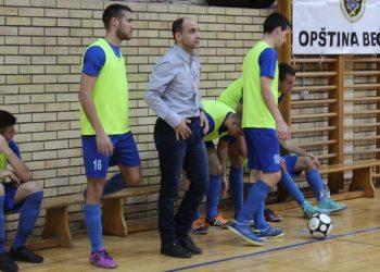 Trener Goran Strajnić je prvi najavio ostavku