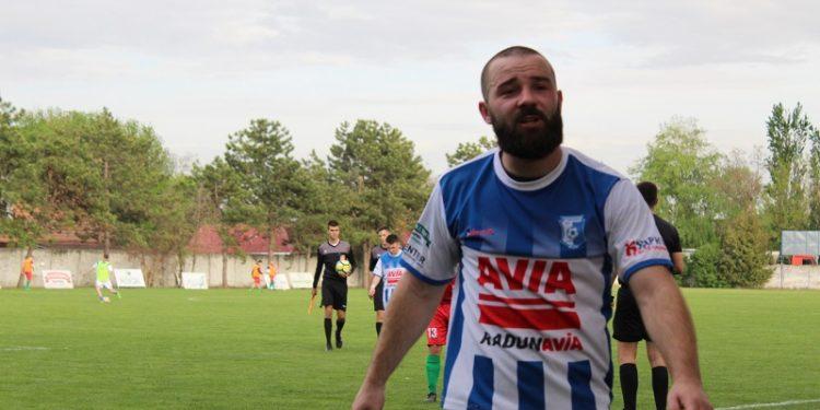 Sršan Jušković je u nedelju načeo rivala   Foto: Vlastimir Jankov
