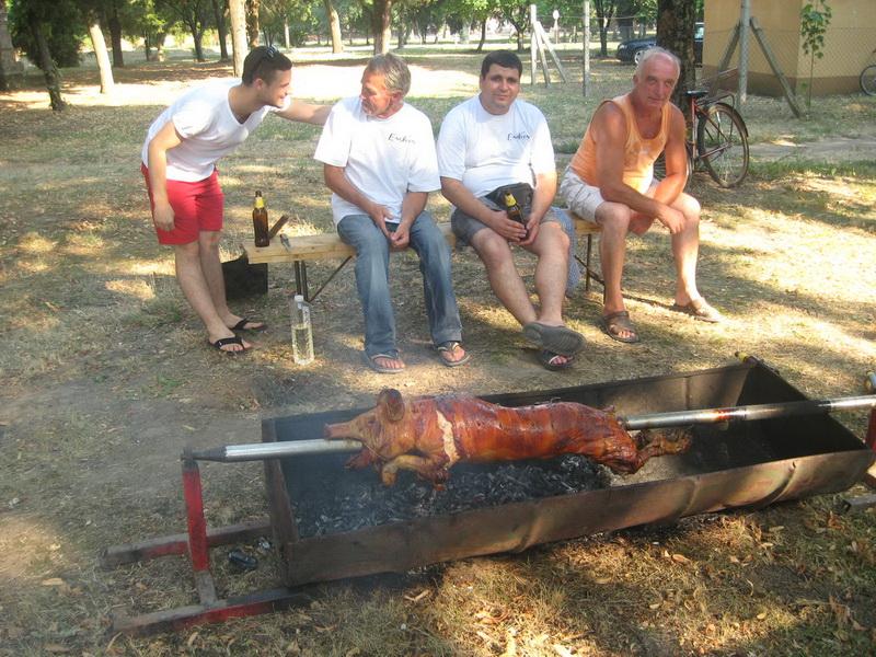 Zaštitni znak Bočaraca tokom seoske manifestacije