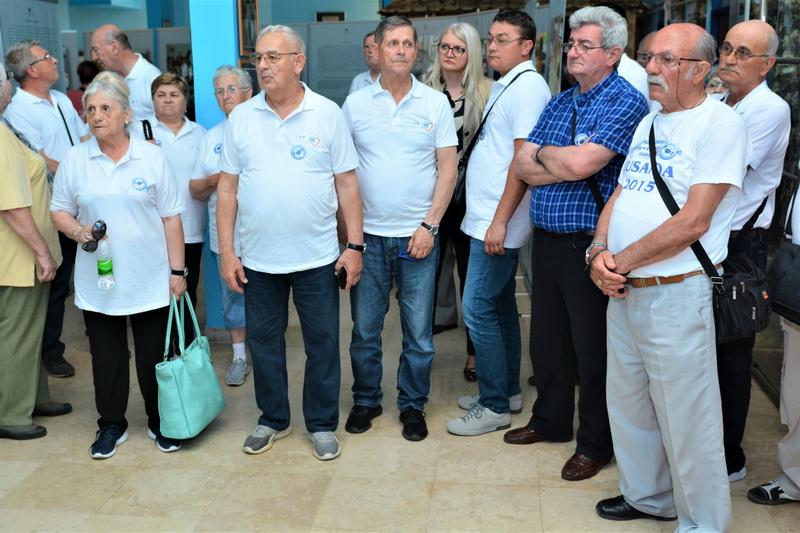 Sa posete izložbenoj postavci u Srebrenici