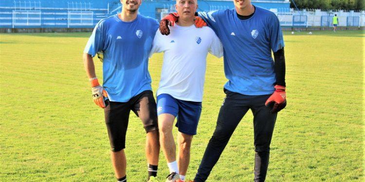 Nesavladani i Novom Sadu golmani Dušan Vojvodić i Miljan Drinčić sa trenerom Draganom Leskovcem | Foto: Vlastimir Jankov