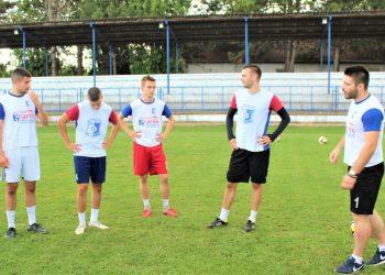 Trener Voše Lazar Dabižljević zadovljan kako igrači podnose pripreme   Foto: Vlastimir Jankov