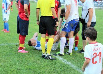 Bolna grimasa na licu Nenada Kudrića najavila je težu povredu | Foto: Vlastimir Jankov