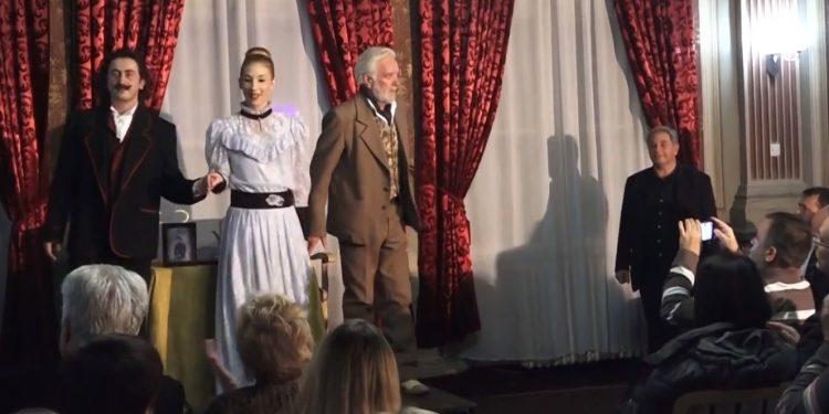 Sa jednog od prethodnih igranja predstave u Bečeju