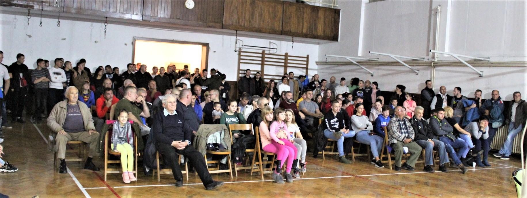 Bečejska publika voli boks