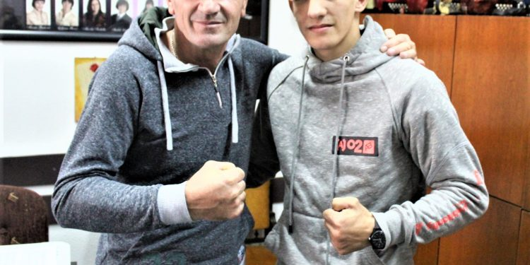 Novi juniorski prvak države Nikola Vlajkov i trener Žarko Radović