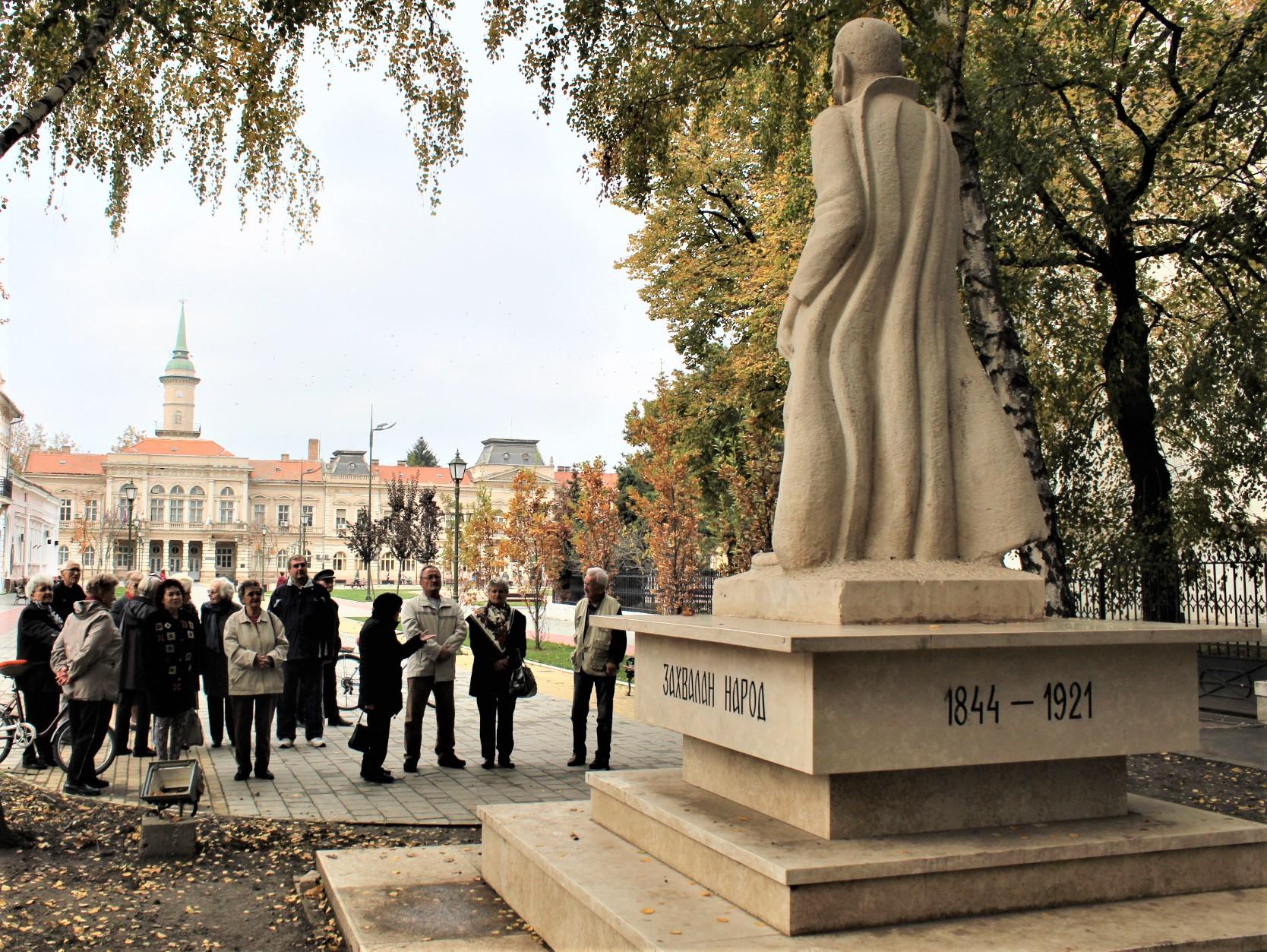 Ove godine se svratilo i do spomenika kralju Petru i odala počast njegovim saborcima u Velikom Ratu
