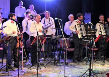 """Gradski orkestar """"BEUS"""" pleni gde god da se pojavi"""