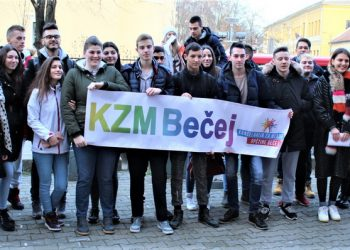 Zajednički snimak s predsednikom opštine Draganom Tošićem pred polazak za Budimpeštu