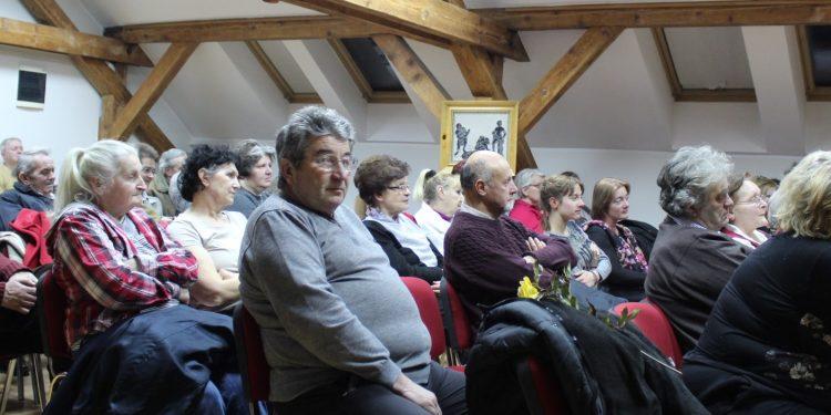 Dobar odziv publike na promociji knjige