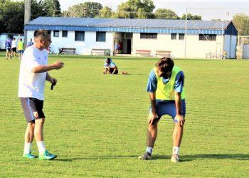 Šef stručnog štava Bečejaca Milan Belić na treningu s Milošem Zličićem