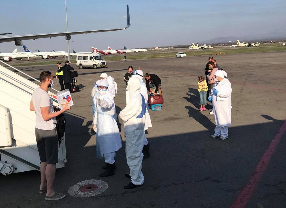 Sa aerodroma u Kazahstanu   Foto: I. S.