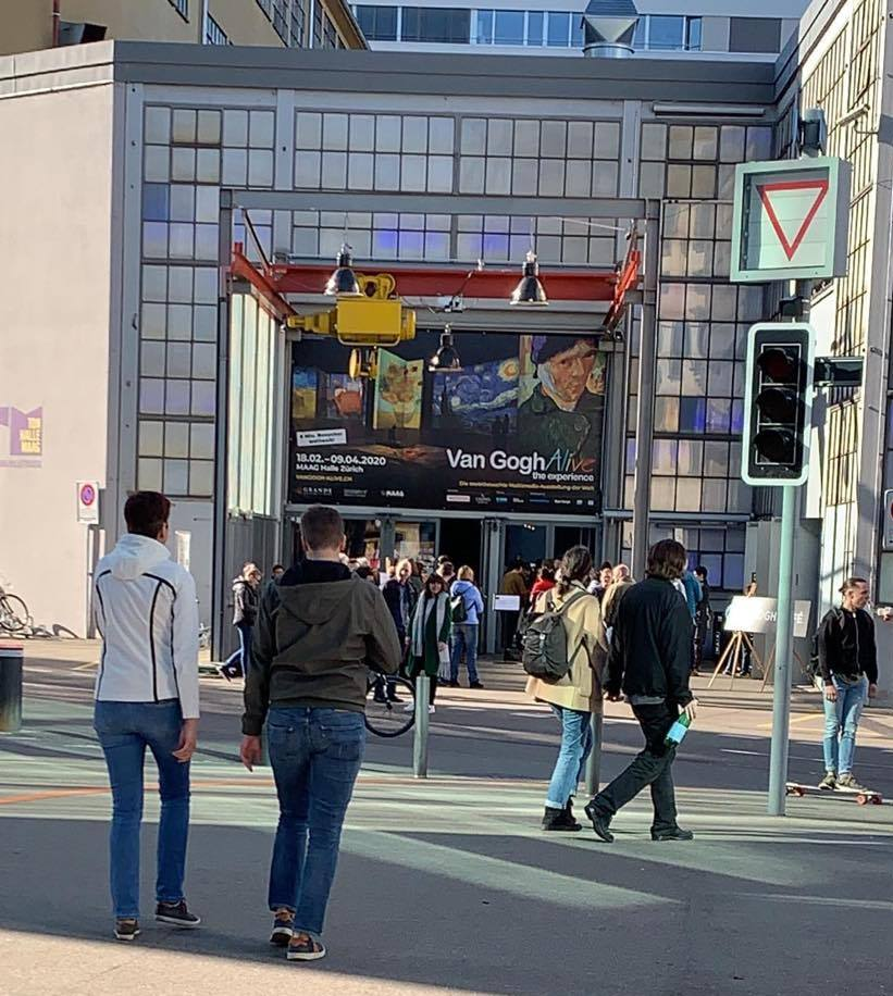 """14. mart, ulaz na izložbu """"Van Gogh live"""" kada je sve još radilo"""