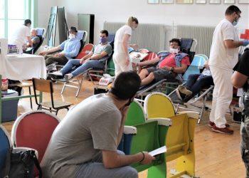 Sa poslednje akcije akcije dobrovoljnog davanja krvi u Bečeju