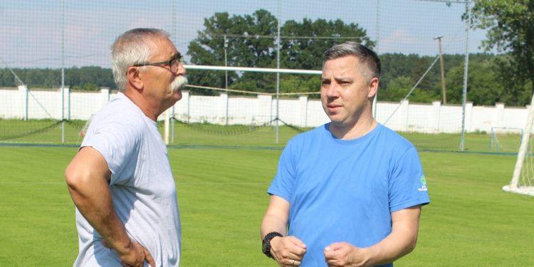 Dogovor oko igračkog kadra: potpredsednik Nedeljko Vasić i šef struke Milan Belić | Foto: Vlastimir Jankov