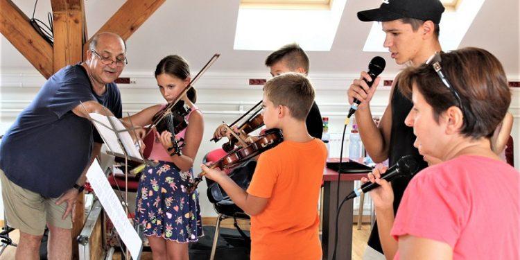 Sa lanjskog rada muzičkog kampa u Narodnoj biblioteci Bečej | Foto: V. Jankov