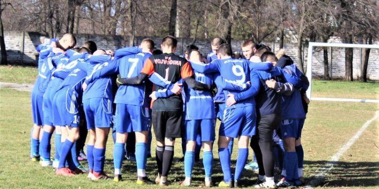 Igrači Vojvodine iz Bačkog Gradišta pred utakmicu