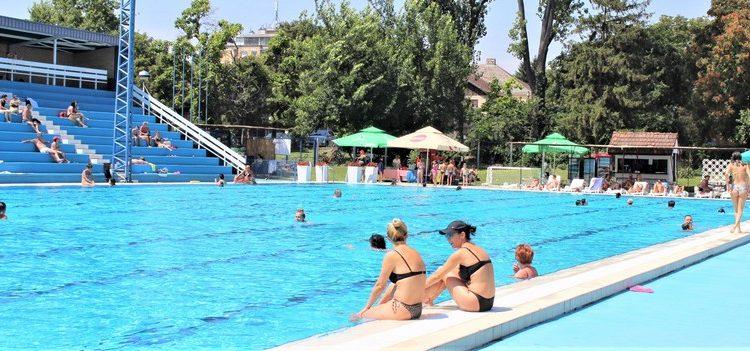 Epidemiološke mere su smanjile broj kupača | Foto: Vlastimir Jankov
