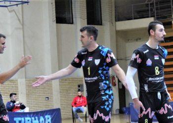 Trener - igrač Veselin Džigurski sa novajlijama Milanom Aćimovićem i Stefanom Radevićem