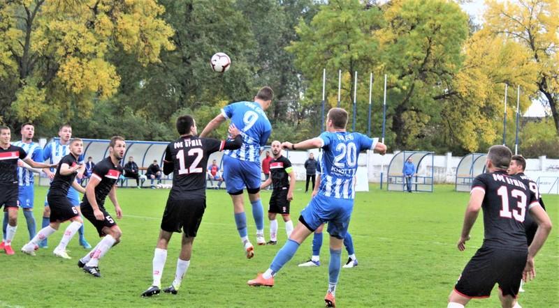 Jovan Mitrović je imao poslednju priliku na utakmici, ali je lopta otišla preko gola