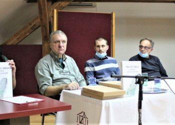 """Sa promocije knjige """"Pravac Srbija"""" u Bečeju"""