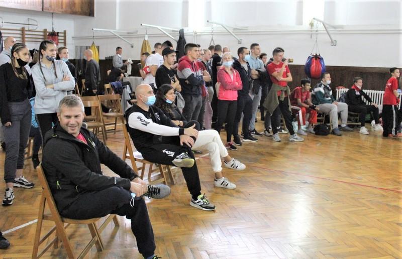 Takmičari, treneri i sportski radnici bili su jedina publika
