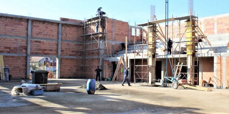 Završni grubi zidarski radovi na fiskulturnoj sali u Bočaru