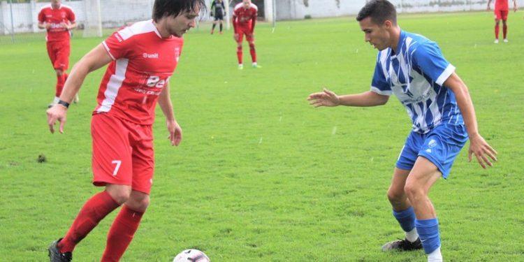 Marko Mastilo u crvenom i Nebojša Pavlović u plavo-belom dresu jesenas kraj Tise